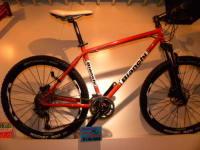 バンクーバー五輪代表もお気に入りBianchi・ferro Cavallo(ビアンキ・フェロカバーロ)限定カラー