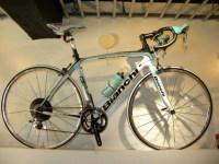 カーボンロード Bianchi(ビアンキ) Infinito105 のご紹介です。