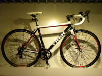 高性能アルミロードバイク入荷しました!2013 トレック TREK 1.2