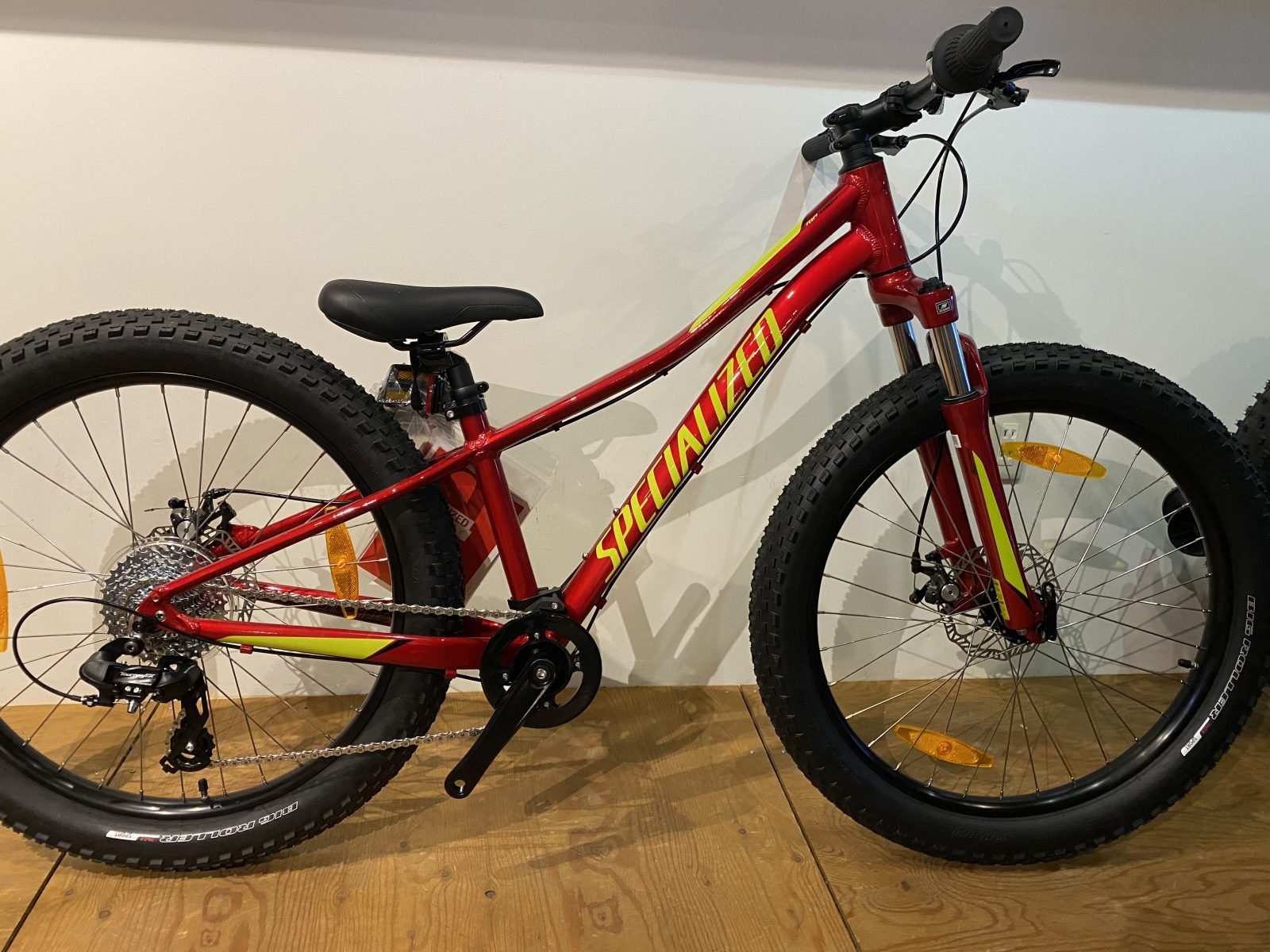 SPECIALIZED・RIP ROCK24、キャンディレッド在庫有ります♪その他、子供車情報~!